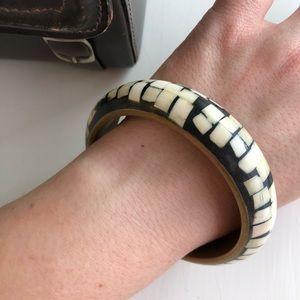 ▫️vintage▫️bone inlay brass bangle bracelet